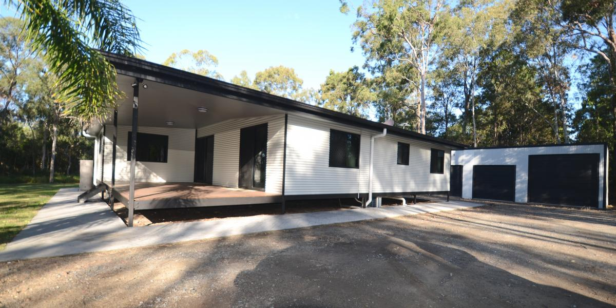 ROOM FOR YOUR CHOOKS + MORE  Acreage Family Home, Air Conditioners in every room, 2 x Covered Decks, New Carpet and list goes on!!