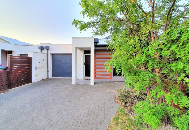 Modern Courtyard home close to Marion and Glenelg