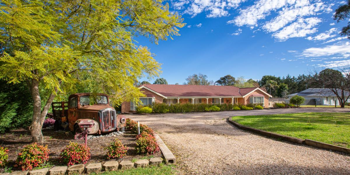 RIGHT IN THE MIDDLE - SOUGHT AFTER RESIDENTIAL ACREAGE