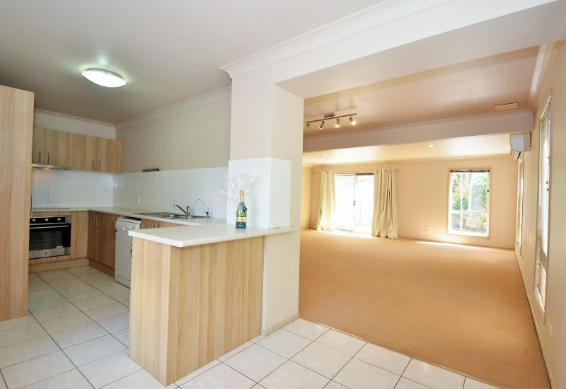 Reedy Creek Rental - 3 Bedroom Spacious Townhouse