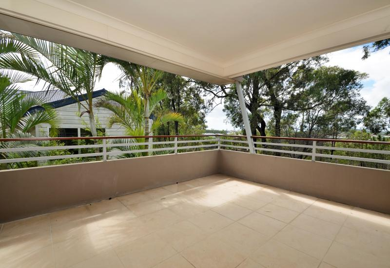 Robina Rental – 4 brm Modern, Air conditioned, Spacious Family Home