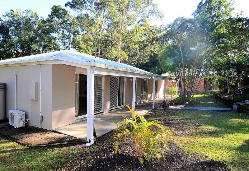 Nerang Rental - Modern Family Home