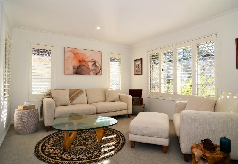 Carindale Rental – Central, modern 3 brm home