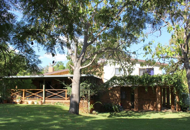 """ABUNDANT WATER ! """"Windy Hill"""" Manificent Executive Rural Retreat with 2 homes AND MASSIVE STORAGE SHED"""