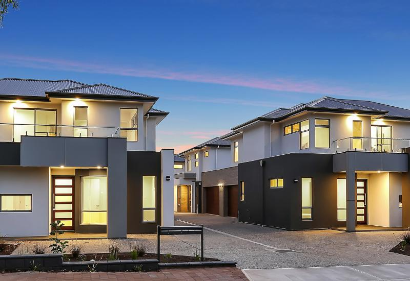 3 BRAND NEW DESIGNER TOWNHOUSES OF GENEROUS PROPORTIONS - 5E NOW SOLD - 2 REMAINING!