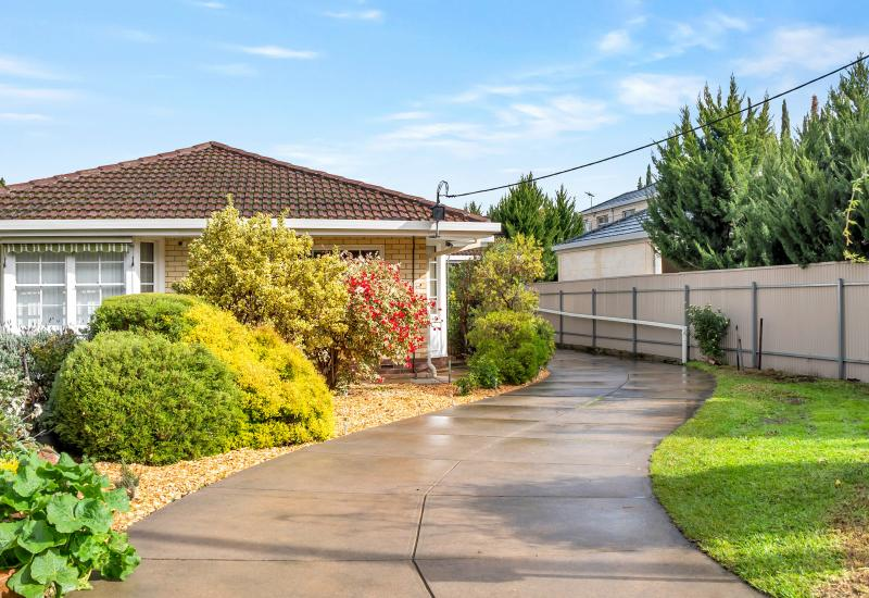 SPACIOUS TORRENS TITLE HOME IN AN OUTSTANDING LOCATION