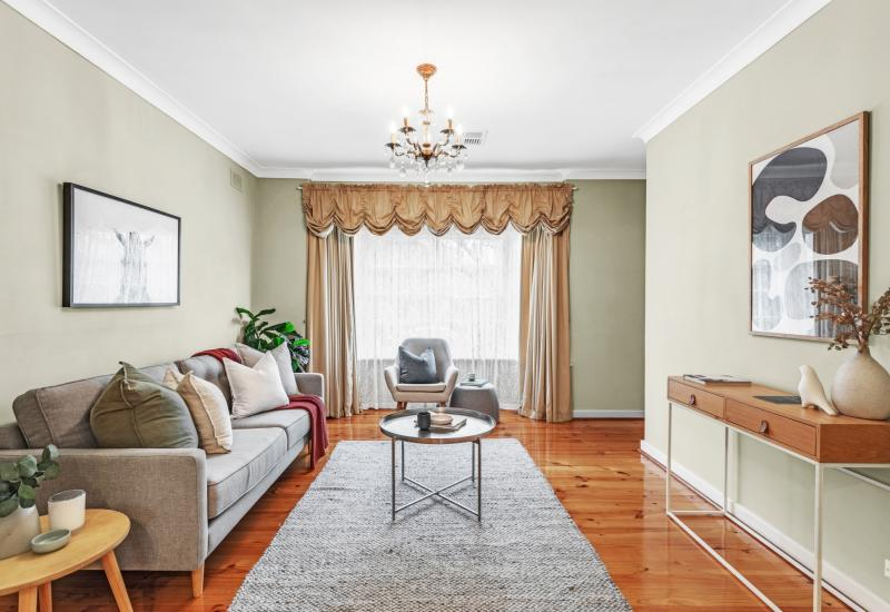 Beautiful Bay Window Colonial in One of the Easts Most Sought After Suburbs