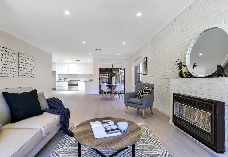 BEAUTIFULLY RENOVATED TORRENS TITLE COURTYARD HOME