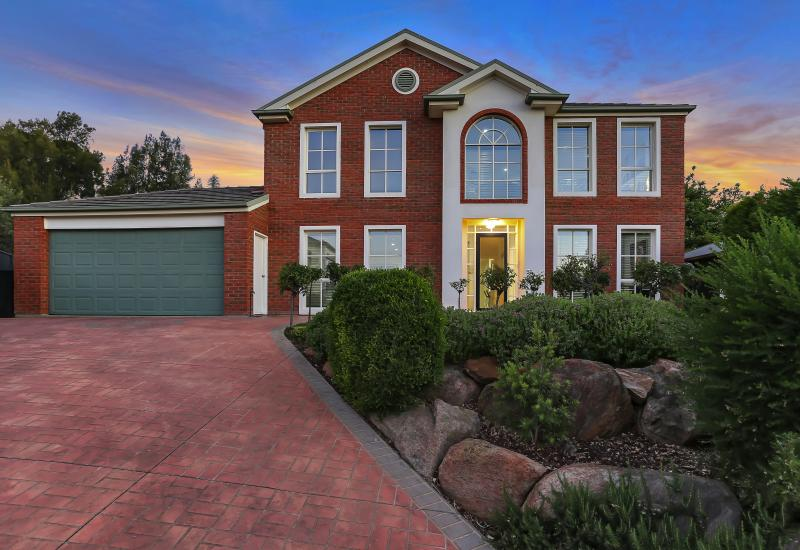 Huge 2 Storey Family Home with Stunning Upgrades