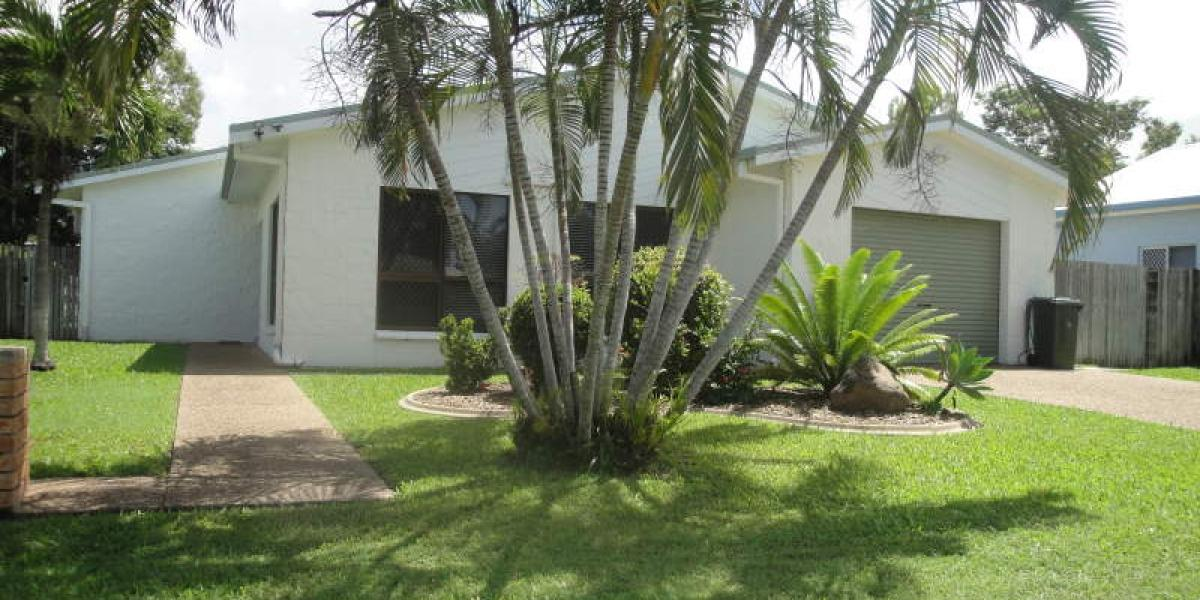3 Bedroom Family Home - Swimming Pool