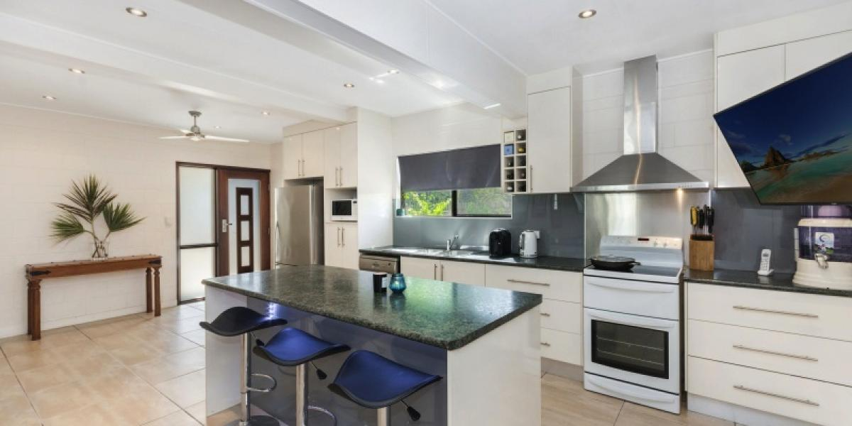 Stunning Family Home in sought after Location !