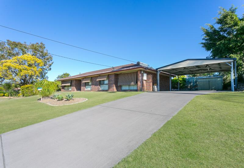 FAMILY HOME IN GREAT LOCATION!