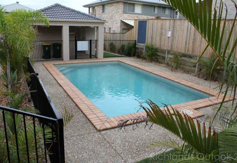 This beautiful Tidy 3 bedroom Townhouse