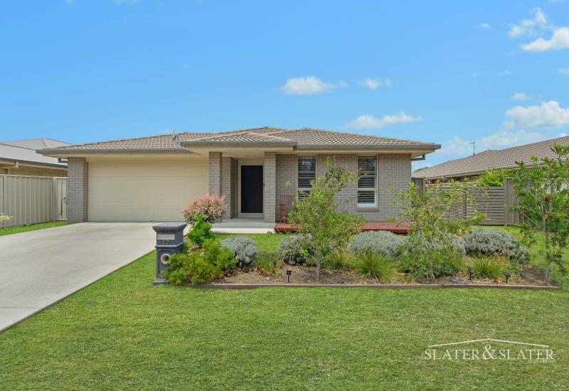 Immaculate home with shed on 736m2 in quiet location