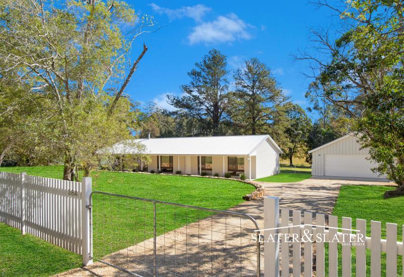 Stunning acreage lifestyle