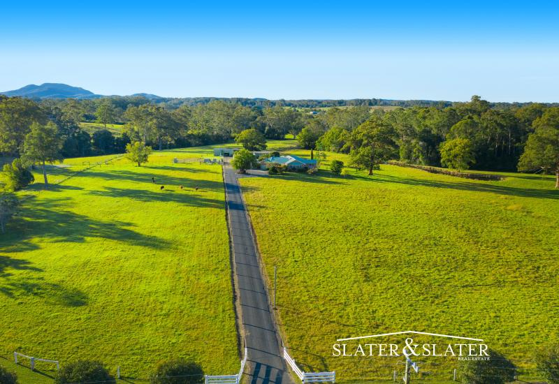 Unique and versatile 30 acre property on edge of town