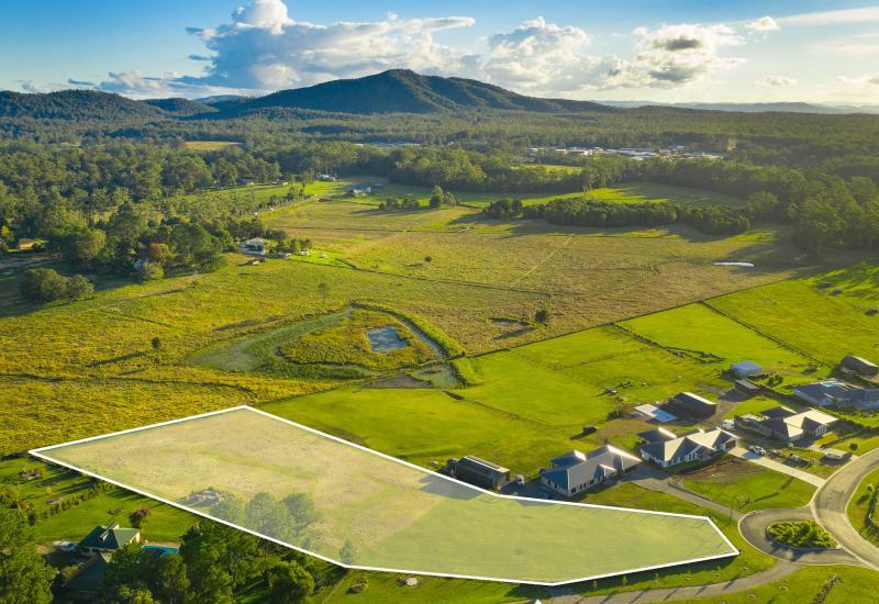 Rarely available acreage - Ridgeview Estate