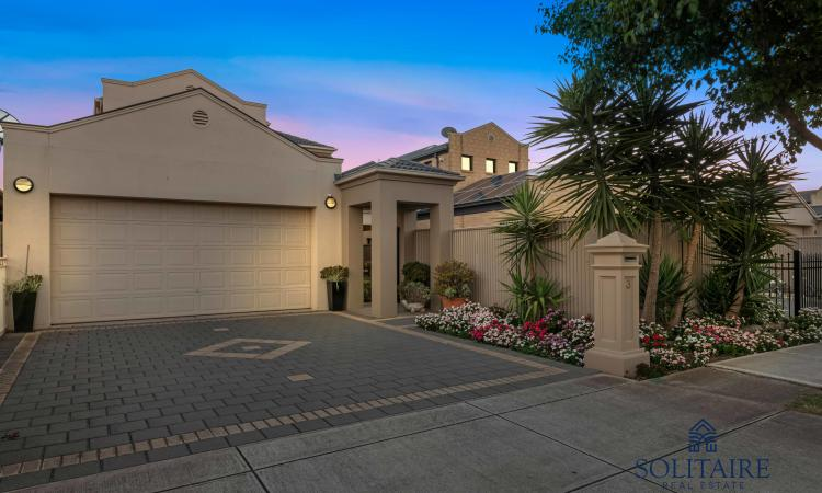Impeccable Parkside Living, less than 10km from Adelaide CBD