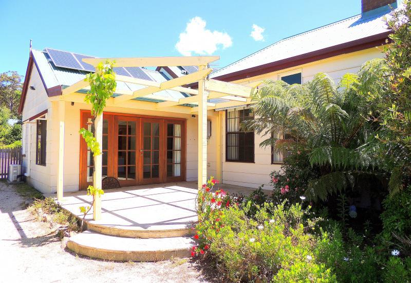 4 Bedrooms - Cottage Gardens - Large Home