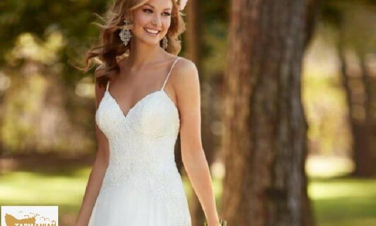 Exclusive Award Winning Bridal Boutique, Superb Presentation, Designer labels $250,000+sav