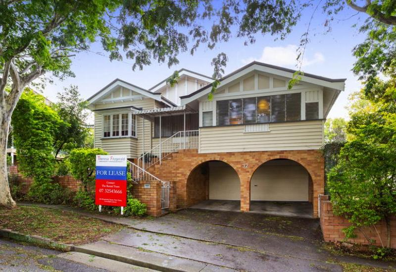 LARGE 3 BEDROOM QUEENSLANDER WITH STUDY