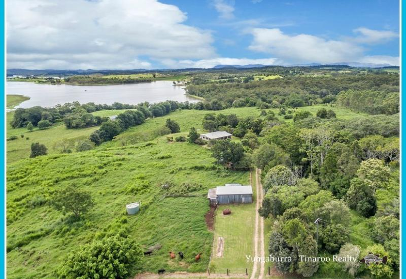 Lifestyle Acreage on Lake Tinaroo