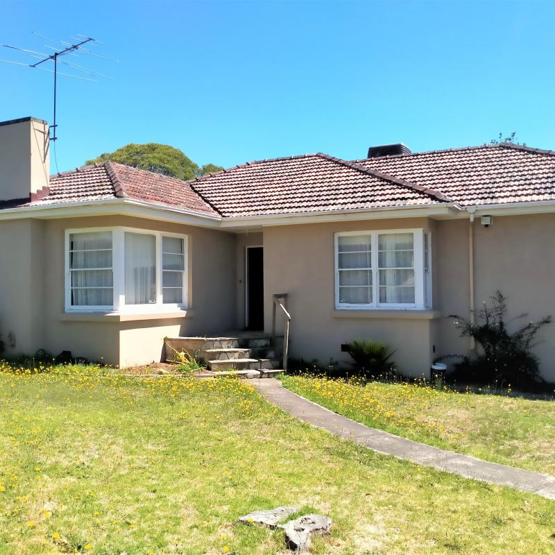 Fully Renovated 4 bedroom home for lifestyle comfort