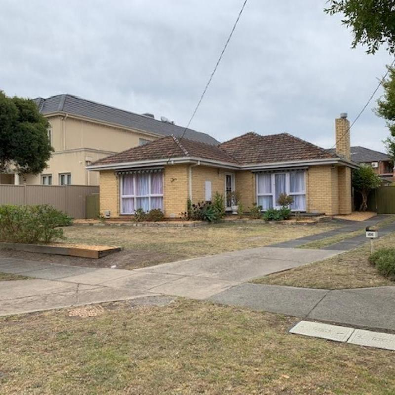 Rent Reduced! –PREMIER HIGHLY SOUGHT AFTER LOCATION- Close to All!