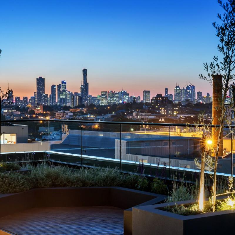 RENT REDUCED!! Lifestyle Living in the heart of South Yarra