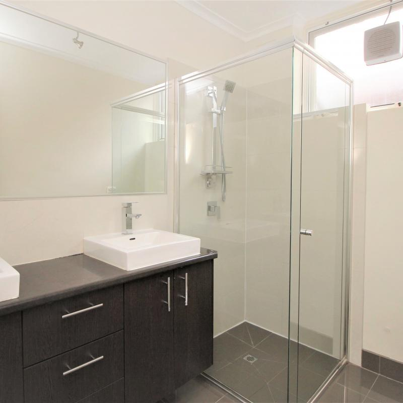 Spacious 2 bedroom apartment in sought after Armadale location
