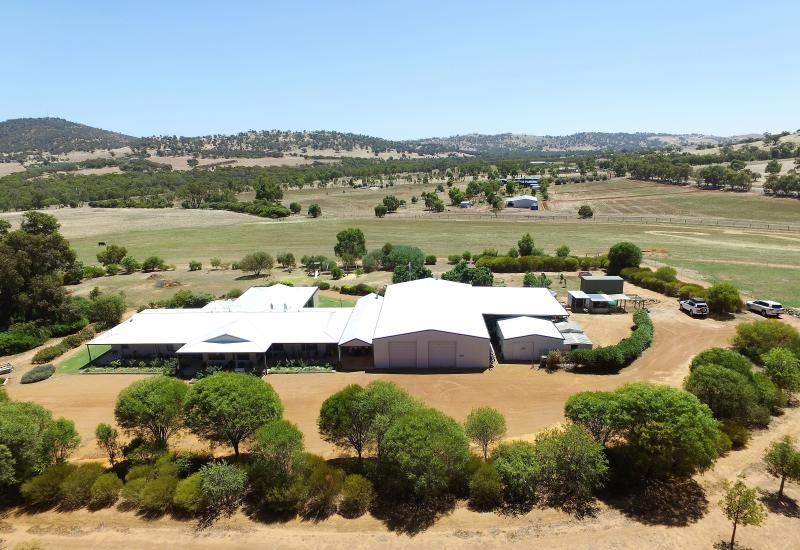 !! Simply Stunning !!     One of Toodyay's Finest Properties.