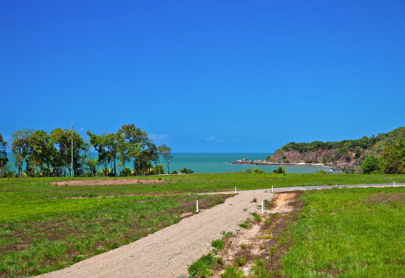 Acres of Incredible Sea Views