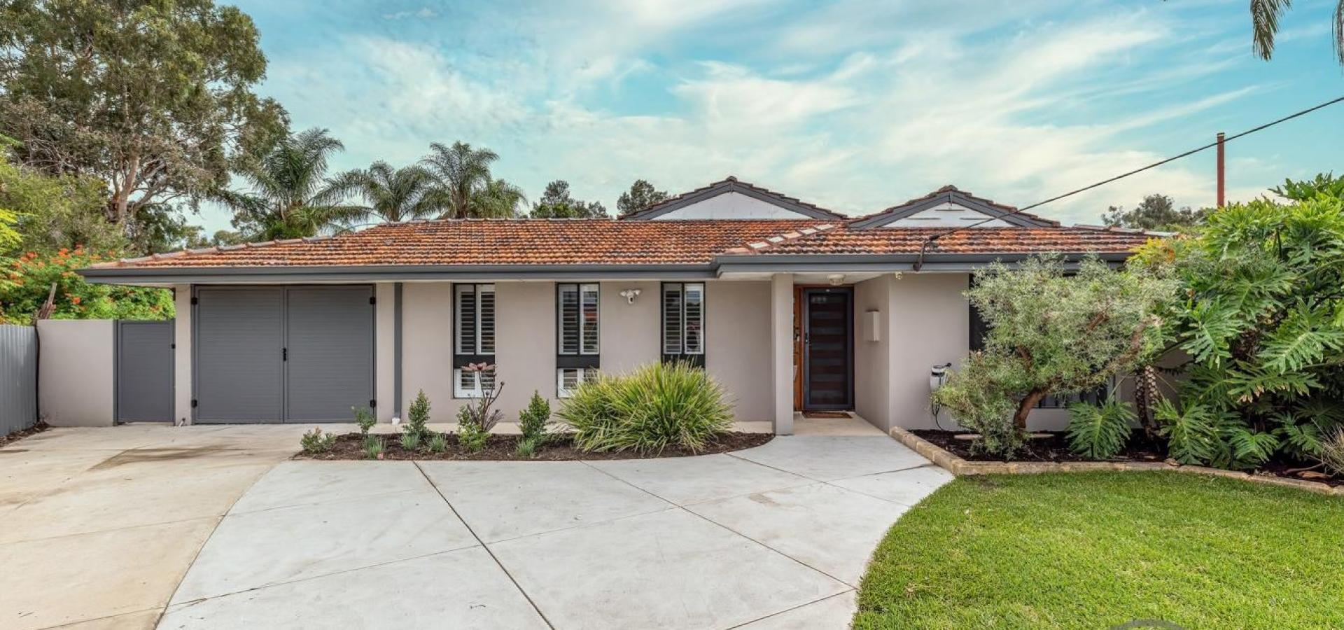 LOVE AT FIRST SIGHT! AMAZING GREEN TITLE RENOVATED HOME (with Virtual 3D Tour)