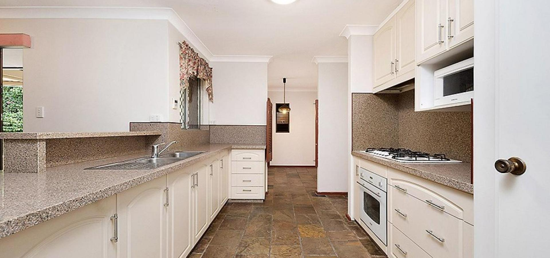 NEW PRICE!! CONVENIENTLY LOCATED HOME ON LARGE 759 SQM BLOCK!