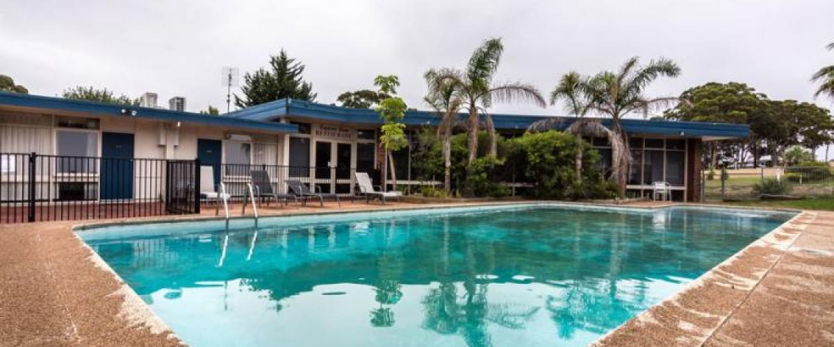 2516ML - KING OF THE HILL, 40 UNIT MOTEL WITH 100 SEAT REASTURANT