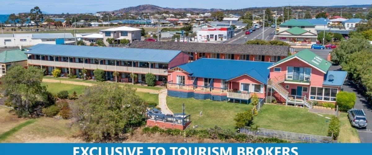2222ML - Oceanfront Leasehold, 33 unit Accommodation Only