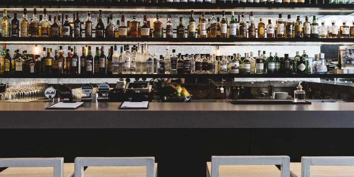 Bar with Small Kitchen in Iconic Eastern Suburbs Location