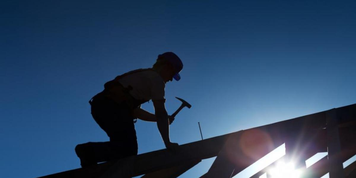Metal Roofing Contractor with Strong Sales and Profits