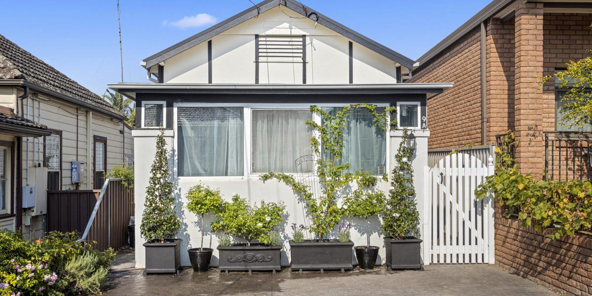 Welcome to 9a Tabrett Street Banksia