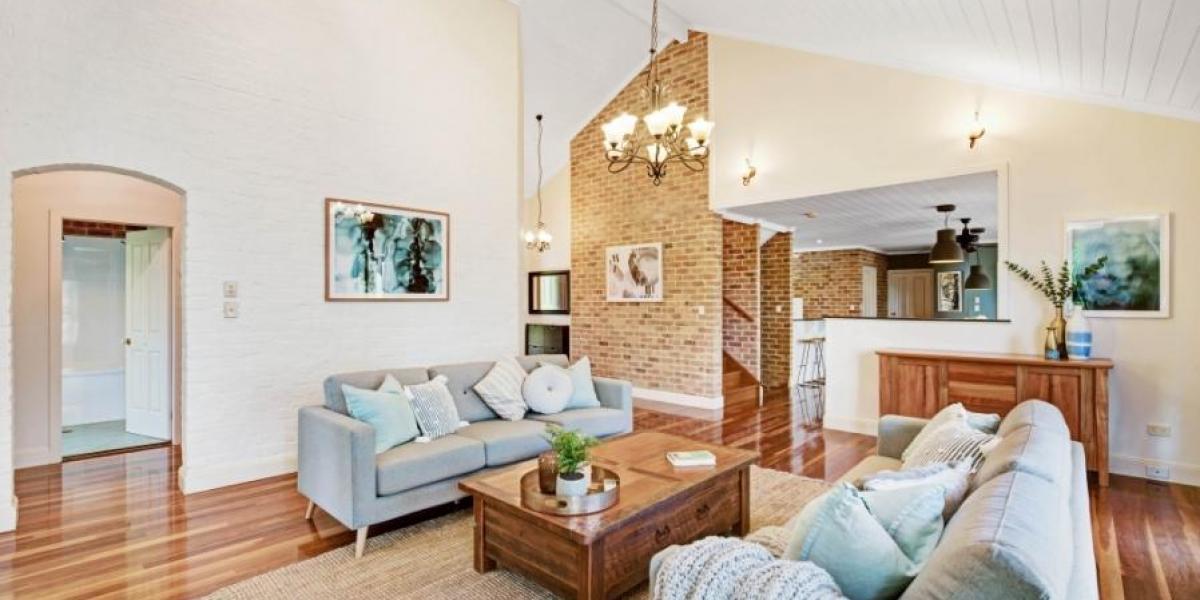 Deluxe & Versatile Acreage Living