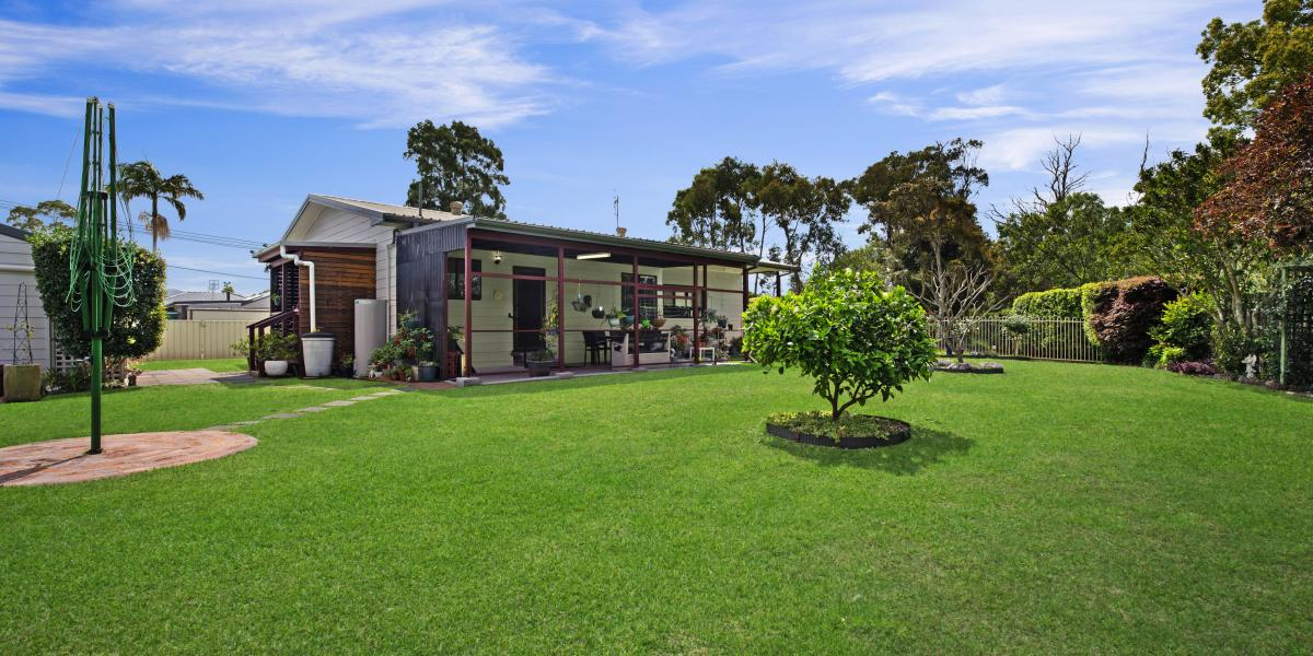 Large Block, Shed, Privacy & So Much Potential!