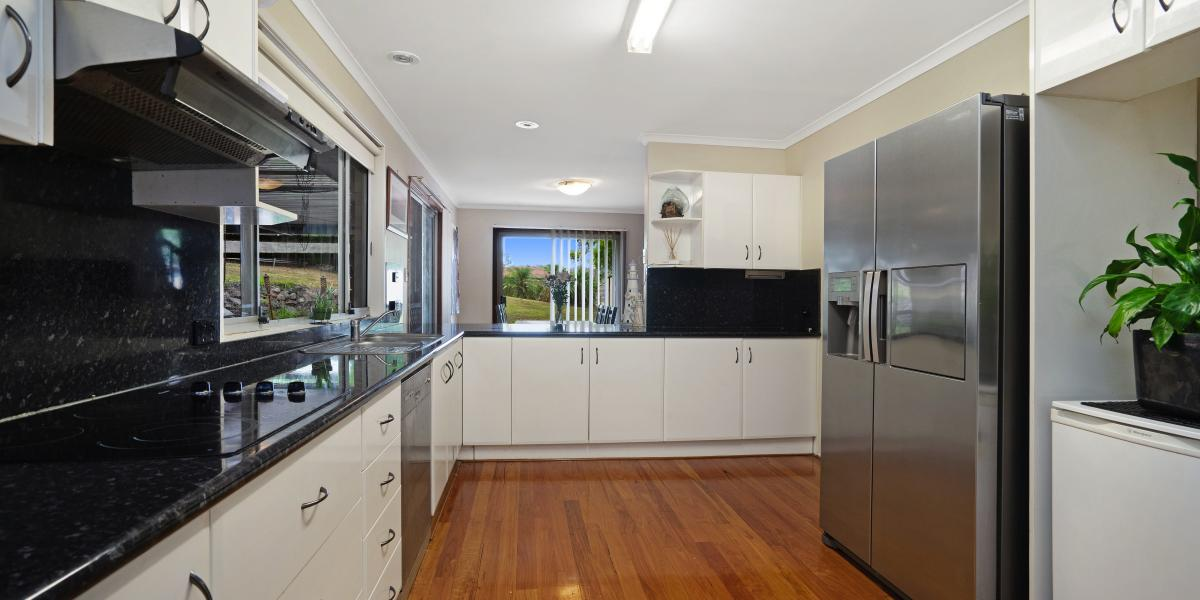 Perfect Starter or Investment on a HUGE 1153m2 block