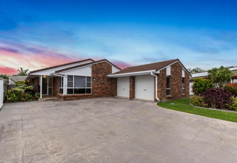 UNDER CONTRACT with Kym Patterson