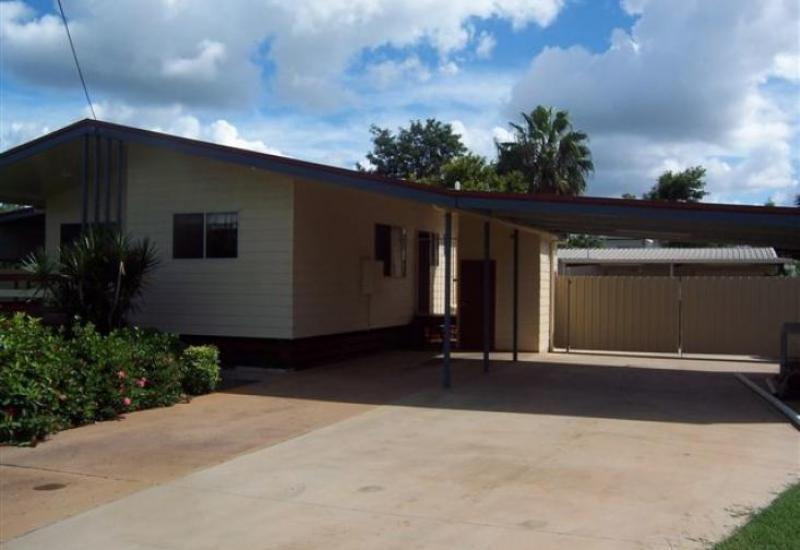 Lowset 3 bedroom home + lge shed