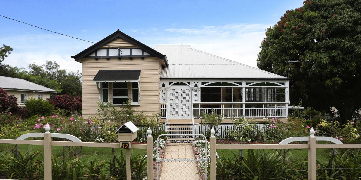 DELIGHTFUL ORIGINAL 4 BED QUEENSLANDER
