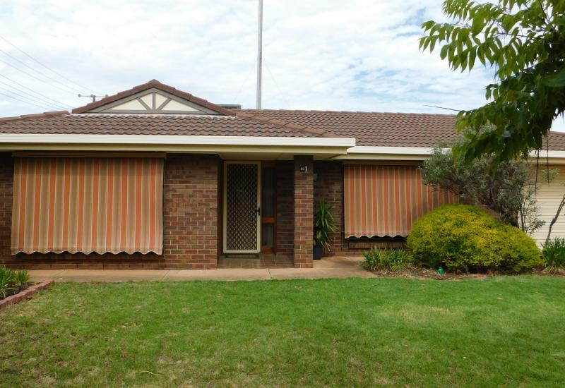 GREAT PRICE POINT FOR FAMILY HOME