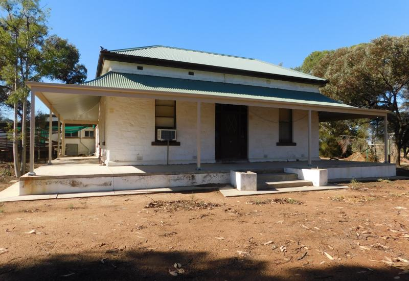 RURAL LIVING A STONE THROW FROM PIRIE