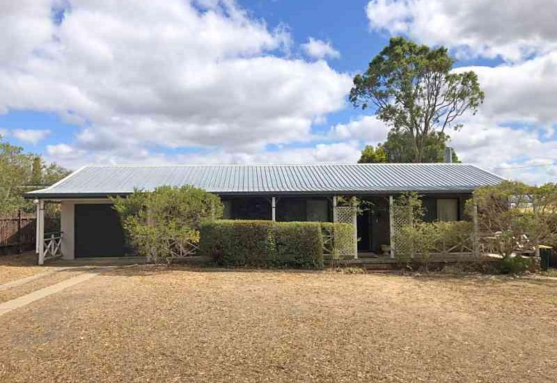 Well Maintained 3 Bedroom Brick Home
