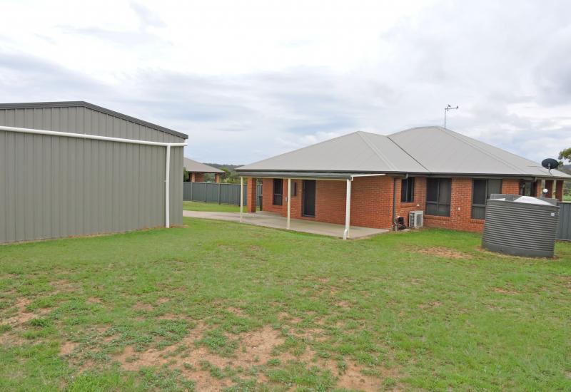 4 BEDROOM HOME WITH RURAL OUTLOOK