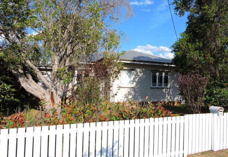 Quality Timber Home Close to CBD